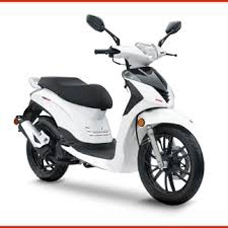 Over B3 Scooter 50cc 2 seater for rent in Malta