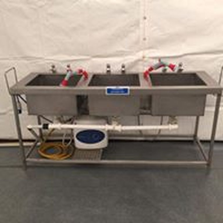 Three basin dish washing portable unit for rent in Malta