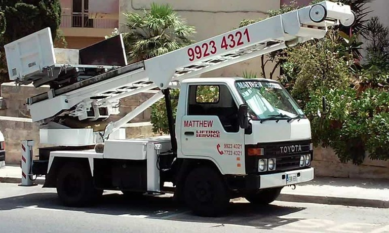 Lifter service for rent in Malta