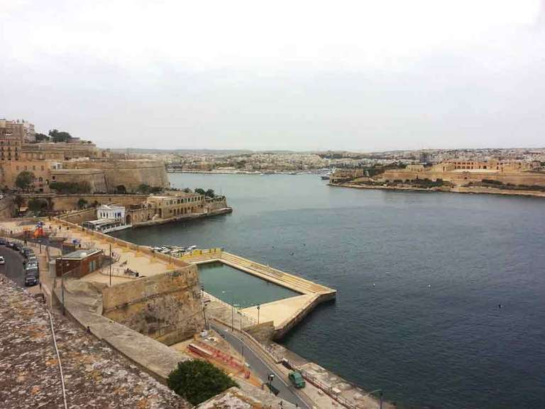 For Lease: 300 SQM Sea Front Open Plan Office - Valletta.