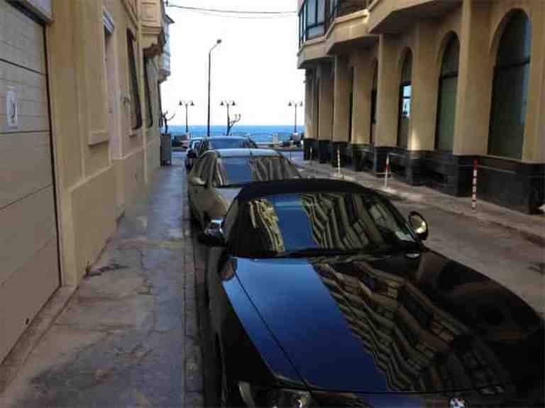 Commercial Space - Sliema. Road level garage for rent
