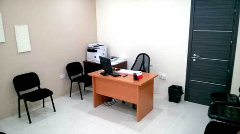 Office/ Clinic for rent in Attard